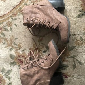 CHARLOTTE RUSSE size 6 brown boots
